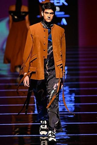 Ochre Bandhgala Jacket With Black T-Shirt & Pants by BLONI MEN