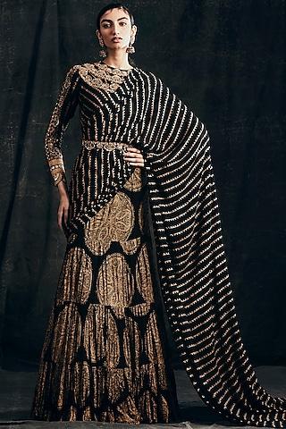 Black Ambi & Nukta Printed Saree Set With Belt by Bhumika Sharma