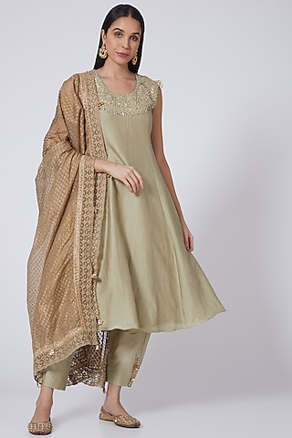 Gold Embroidered Kurta Set by Bhumika Sharma
