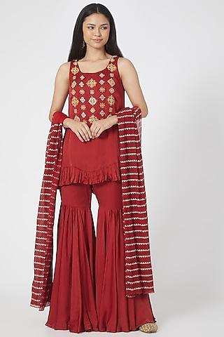 Red Embroidered Kurta Set by Bhumika Sharma