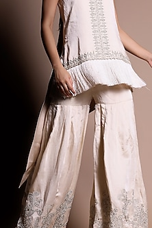 Ivory Embroidered Kurta With Trousers by Bhumika Sharma