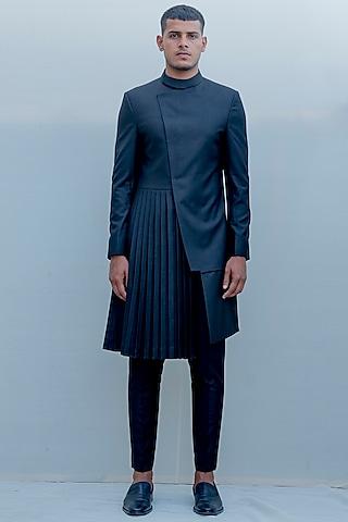 Black Indo-Western Knife Pleated Long Suit Set by Bohame Men