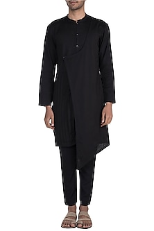 Black Overlap Pleated Kurta Set by Bohame