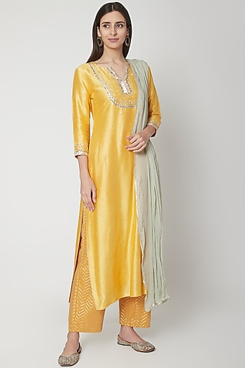 Yellow Embroidered Kurta Set by Breathe By Aakanksha Singh