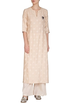 Off White Embroidered Kurta With Straight Pants by Breathe By Aakanksha Singh