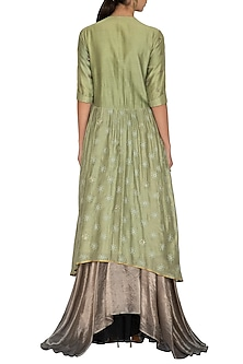 Green Embroidered Kurta with Metallic Grey Lehenga Skirt by Breathe By Aakanksha Singh