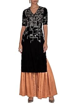 Black Embellished Kurta With Kalidar Pants by Breathe By Aakanksha Singh