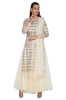 White Front Open Embroidered Kurta Set by Breathe By Aakanksha Singh