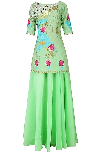 Peppermint Embroidered Short Kurta with Palazzo Set by Breathe By Aakanksha Singh