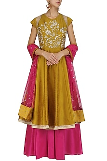 Gold Embroidered Flared Kurta and Skirt Set by Breathe By Aakanksha Singh