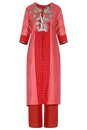 Red embroidered kurta set by Breathe By Aakanksha Singh