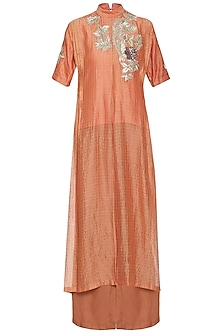 Orange embroidered kurta with pants by Breathe By Aakanksha Singh