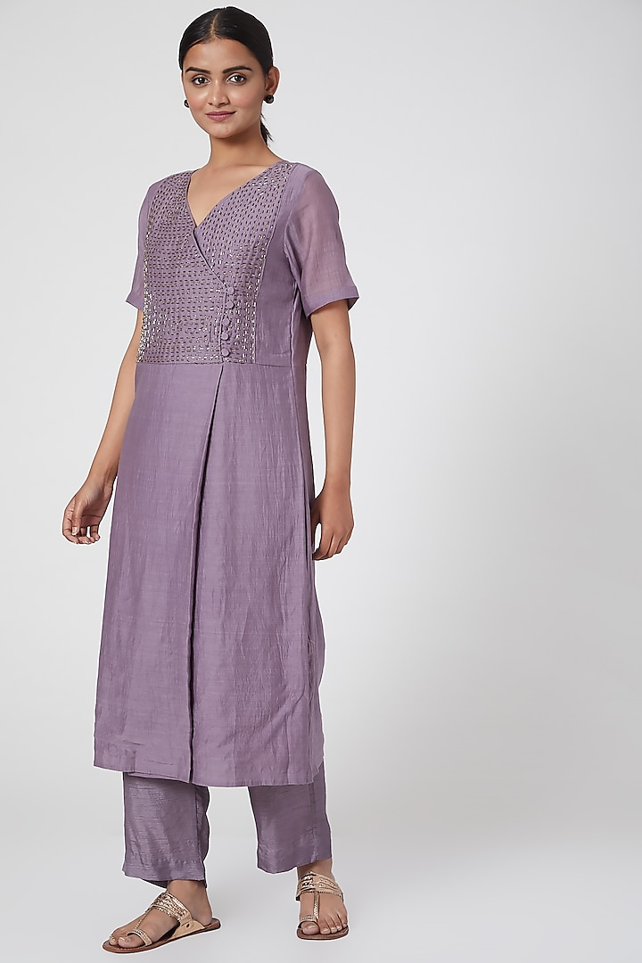 Mauve Embroidered Kurta With Pants by Chambray & Co.