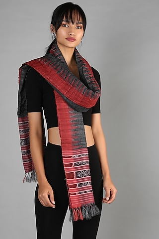 Black & Red Tussar Tie-Dye Dupatta by Chaturbhuj Das