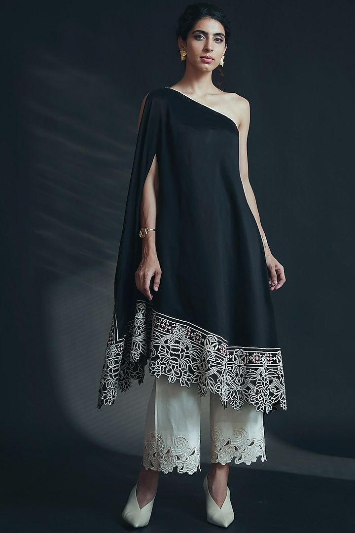 Black Embroidered Off Shoulder Kurta by Chandrima