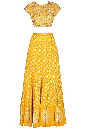 Yellow Embroidered Banarasi Lehenga Set by Chhavvi Aggarwal