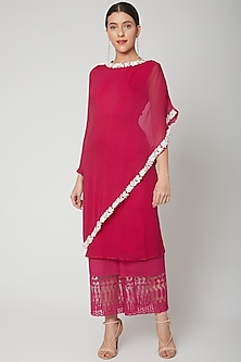 Fuchsia Embroidered Kurta With Pants by Chhavvi Aggarwal