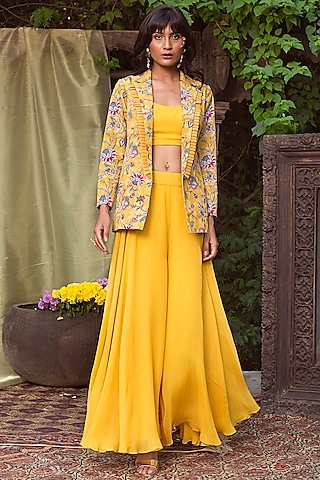 Yellow Printed Blazer Set by Chhavvi Aggarwal