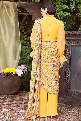 Yellow Printed Pant Saree Set With Belt by Chhavvi Aggarwal