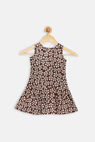 Maroon Printed Drop Waist Dress by Charkhee Kids