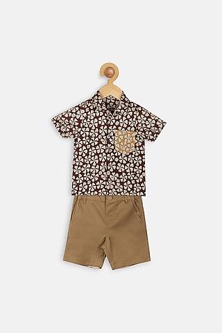 Maroon Printed Shirt Set by Charkhee Kids