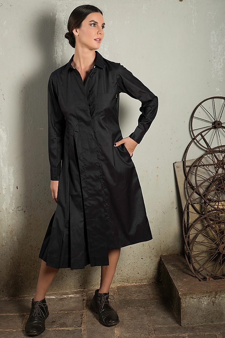 Black Pleated Shirt Dress by Chillosophy