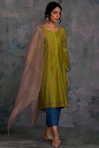 Berry Green Embellished Pintuck Kurta Set by Charkhee