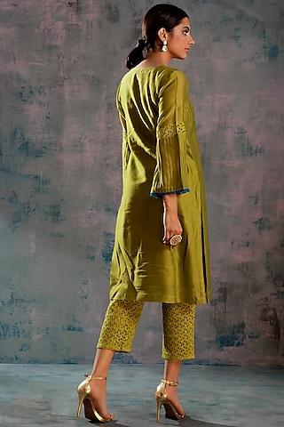 Berry Green Embellished Cutwork Kurta Set by Charkhee