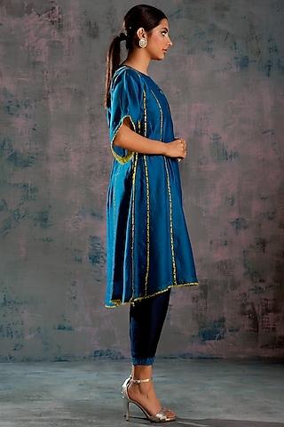 Egyptian Blue Embellished Chanderi Kurta Set by Charkhee