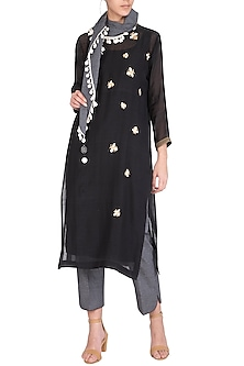 Black Embroidered Kurta With Pants & Scarf by Chillosophy