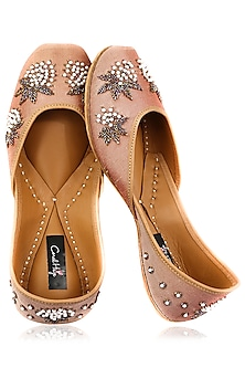Champagne Pearls and Cutdana Embroidered Juttis by Coral Haze