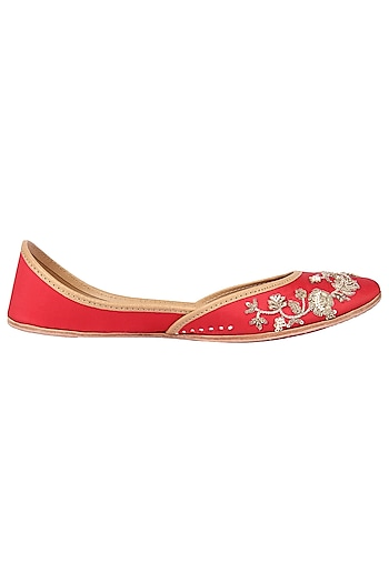 Red Embroidered Juttis by Coral Haze