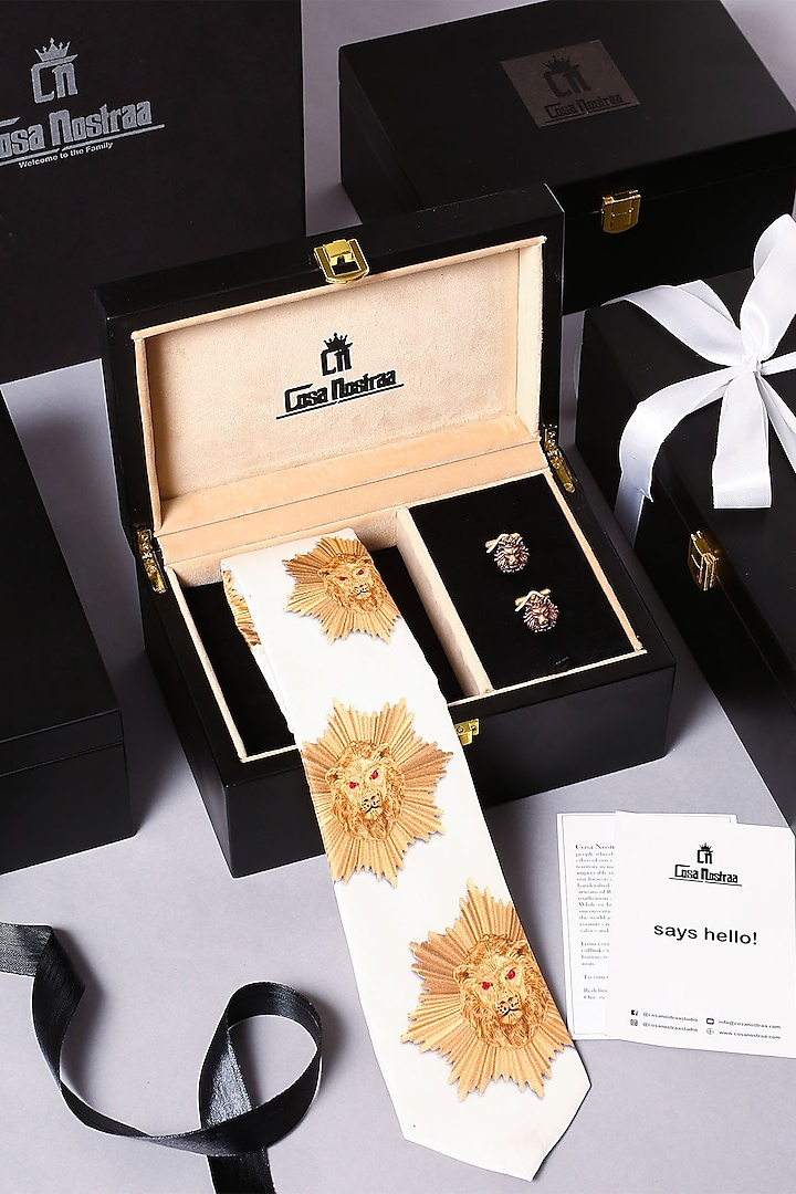 White Tie With Cufflinks by Cosa Nostraa