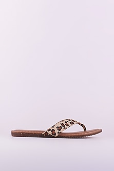 Tan Flats With Leopard Print by Crimzon