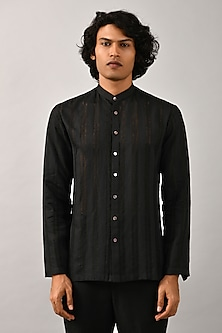 Black Shirt With Stitch Detailing by Countrymade