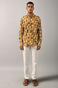 Mustard Houndstooth Printed Shirt by Countrymade