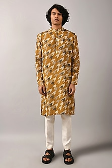 Mustard Houndstooth Printed Kurta Set by Countrymade