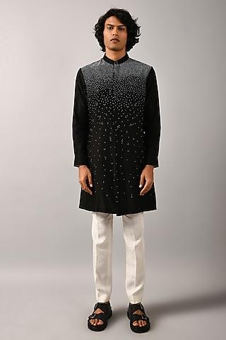 Black Embroidered Kurta Set by Countrymade
