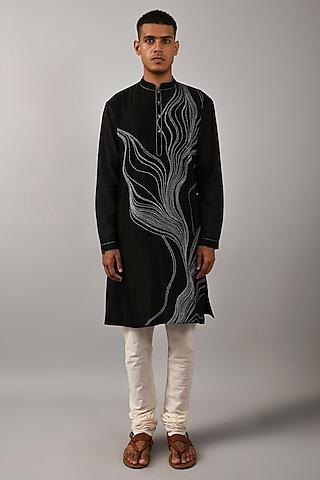 Black & Ivory Embroidered Kurta Set by Countrymade