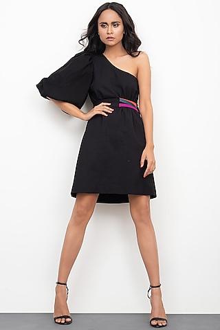 Black One Shoulder Dress With Belt by Deepika Arora