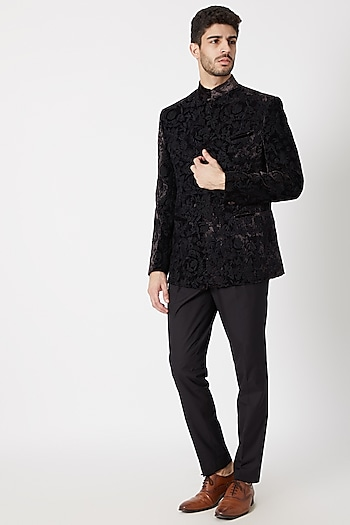 Black Embroidered Bandhgala Jacket by Dhruv Vaish