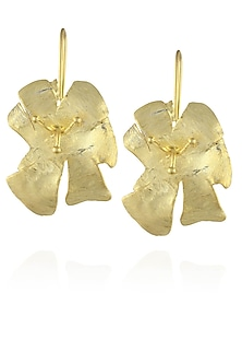 Matte gold finish bog hibiscus earrings by Dhora