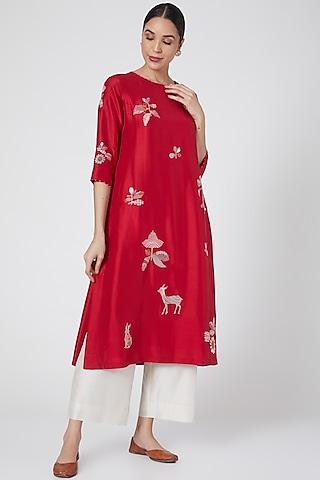 Sindoori Red Hand Embroidered kurta by Divyam Mehta
