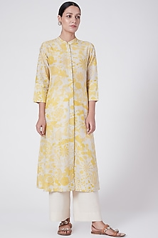 Yellow Printed Tunic With Buttons by Divyam Mehta