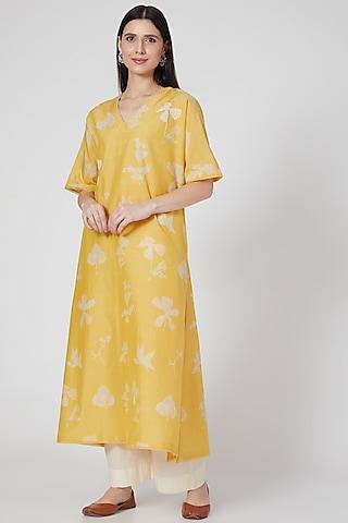 Nimbu Yellow Embroidered Kaftan Tunic by Divyam Mehta
