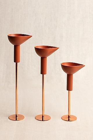 Brown Oil Diya Lamps (Set of 3) by Ikkis