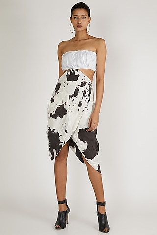 White Printed Dress With Ruching by Deme By Gabriella