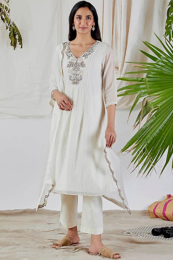 White Embroidered Kurta Set by Devyani Mehrotra