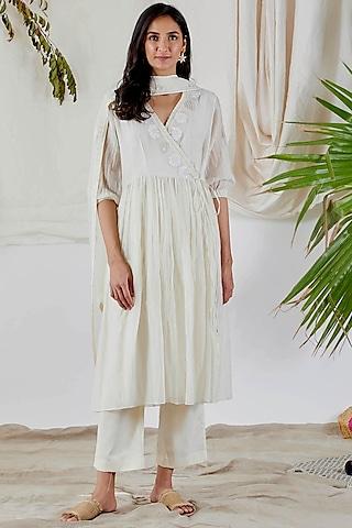 White Embroidered Anarkali Set by Devyani Mehrotra