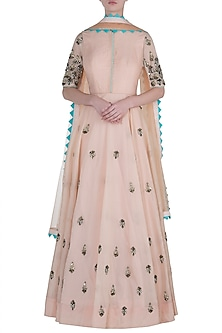 Peach salwar suit set by DINESH MALKANI